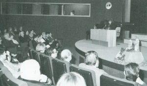 Pirula Arderius Casas dando lectura al Pregón de la Navidad 1992 en Alicante (18/12/1992)