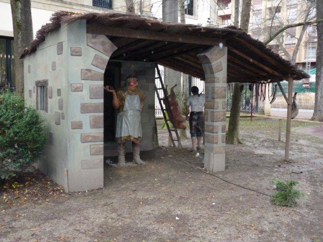 Figuras y construcción del belén de La Florida