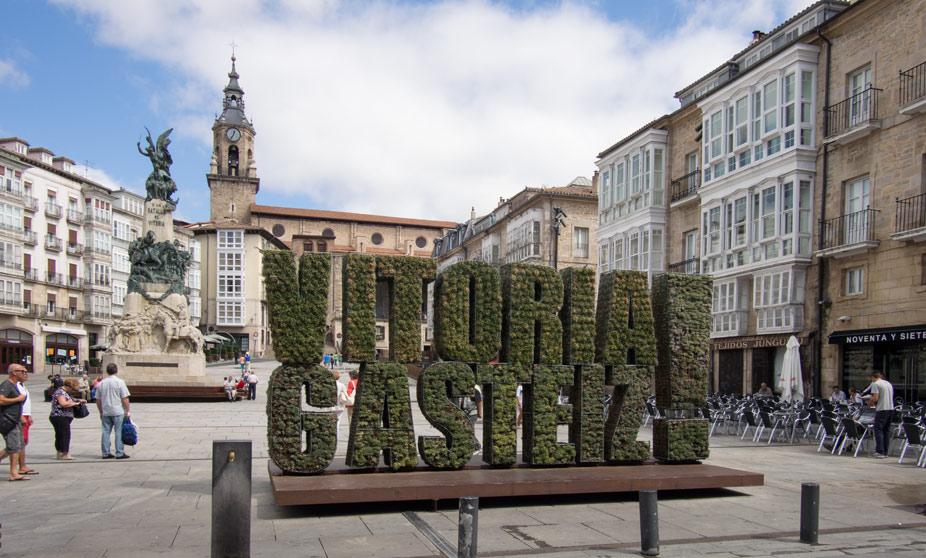 Plaza de la Virgen Blanca de Vitoria-Gasteiz