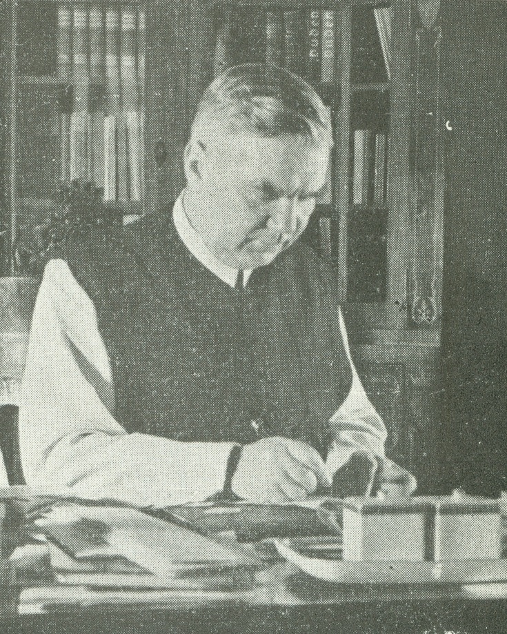 El Rvdo. P. Elemer Schwartz, fundador de la Asociación Húngara de Amigos del Pesebre, disuelta por las autoridades comunistas en 1946.