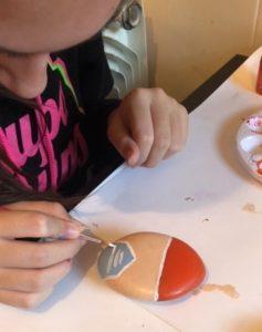 """Pintando """"Piedras de la Esperanza"""" - Asociación Cultural Belenistas de Cuéllar"""