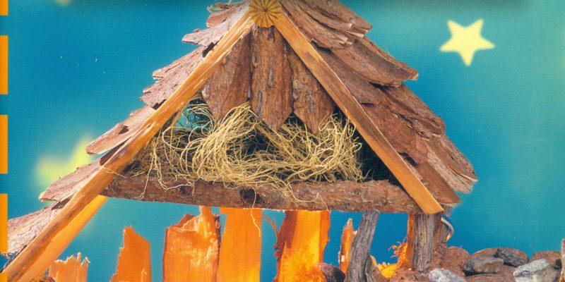"""Portada del libro """"Nacimientos Navideños con materiales naturales"""" de Angelika Kickbuschz, publicado por Editorial El Drac SL"""